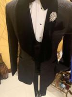 2019 Yeni Stil Kontrol Damat Smokin Şal Yaka Erkekler Partry Balo Yemeği Blazer (Ceket + Pantolon + Yelek + Papyon) W588