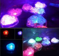 Высококачественная вспышка любви в любви ледяной кубик, активированный водой светодиодный свет, помещенный в водный напиток Flash автоматически для вечеринки свадебные бары рождества