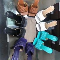 2020TOP-Qualität Designer Nappa Traum Karree Sandale Bester Verkauf mit Schreiben Klassische Avaliable Sommer-Strand-Schuhe für Mädchen Lady Slipper