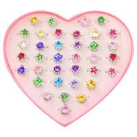 36PCS 상자에 다채로운 라인 석 보석 반지, 상자 어린이 키즈 어린 소녀 선물의 조정 어린 소녀 보석 반지, 전