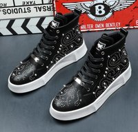 2019 New Personality Rivet High Top Sneakers da uomo in vera pelle traspirante lace up strass casual piatto hip hop scarpe uomo TAGLIA: 39-43