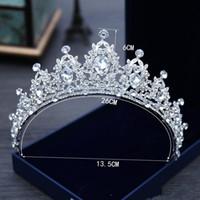 2021 White Crystal Bridal Smycken Tiara Headpieces Kronprinsessan för bröllopsklänning Tillbehör