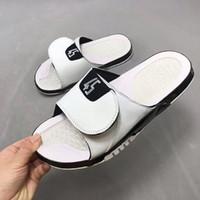sandali vendita calda-progettista Mens Estate piatto scarpe da basket bianco Retro nero donne pistone della spiaggia Flip Flop