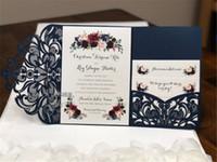 Prachtige marine kant tri-fold laser gesneden bruiloft uitnodigingen pocket bruiloft uitnodiging gestanst laser cut shimmer jas met RSVP-kaart