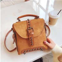 XIAODOO Vintage Rivet Design Zaini femminili Glassato Travel Out Door Sport Girls Totes Alta Casual Small Lady Daypack