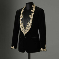 Hommes de haute qualité en velours noir Costume d'or dentelle Applique Shawl Lapel Blazer Slim hommes costume formel Taille personnalisée Seulement Veste