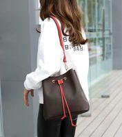 Top Quality Fashion Paris Grid Style Style Célèbre Designer Sacs à main Fleur Dames Boutique de femmes haut de gamme Sacs avec