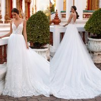 2020 Milla Nova vestidos de novia de una línea de Bohemia de espagueti Appliqued de playa Vestidos de novia de encaje de barrido tren vestido sin espalda con cuentas BohoWedding