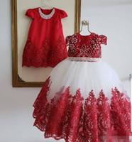 2020 Kırmızı Beyaz Çiçek Kız 'Elbiseler Boncuklu İnciler Kısa Kap Kollu Dantel Aplike Jewel Boyun Çocuk Prenses Doğum Günü Partisi Balo