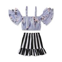 여름 새 아동 의류 2019 신생아 작은 신선한 단어 어깨 스트랩 얇은 줄무늬 셔츠 + 검은 색과 흰색 줄무늬 치마 정장을 설정