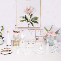 [DDisplay] Display di gioielli in marmo creativo Set vassoio di immagazzinaggio in resina Supporto per espositore personalizzato per braccialetto Espositore con ciondolo bianco squisito