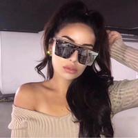 إطار جديد أسود ساحة نظارات شمسية نسائية كبيرة أزياء ريترو مرآة نظارات شمسية أنثى العلامة التجارية خمر سيدة هلالية دي سولاي فام