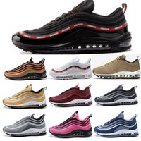 Hommes Femmes Invaincu Ultra OG Plus Hommes Chaussures de course air Run Or Argent sport Athletic Trainers Sneakers Designer