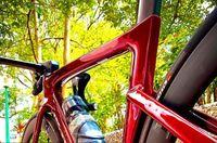 تخصيص جديد الطريق دراجة الكربون الإطار مع المقود الجذعية الكربون دراجة قرص الفرامل thru المحور 100 * 12 ملليمتر 142 * 12 ملليمتر يمكن dpd xdb السفينة