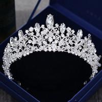 Lüks Kristal Boncuklu Düğün headpieces Ücretsiz kargo Gelin Aksesuarları Ucuz BridalTiaras taçlar Düğün Parti WEar Başlığı