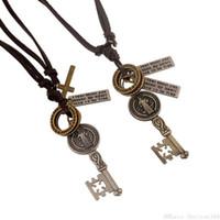 Weinlese Schlüsselanhänger Lederhalsketten-Kreuz-Charme-langkettiger Europäische und amerikanische Statement Halsketten-Punkschmucksachen Weihnachtsgeschenk Großhandels