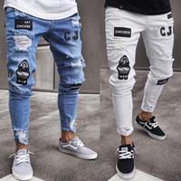 Hombres elástico flaco rasgado del motorista del bordado pantalones vaqueros destruidos Imprimir agujero Taped Slim Fit Denim Jeans Rayado de alta calidad
