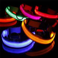 2020 Collier USB LED en nylon Câble de chien de chat de chien Harnais clignotant sécurité Up nuit Pet Colliers couleur multi XS-XL Taille de Noël