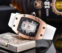 2020 Moda Mujeres Luxury Watch Diamond Ided Dial Designer Reloj Movimiento de cuarzo con correa de goma Lady Watches Pareja Gift Wristwatches