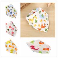 Belle double couche de coton Cartoon bébé Bouton Triangle Bib Newborn Bandana Burp Vêtements Impression florale tout-petits animaux Turban Bibs LY225