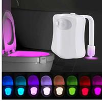 WC Toilettenlicht Smart Pir Motion Sensor Toilettensitz Nachtlicht 8 Farben Wasserdichte Hintergrundbeleuchtung für Toilettenschüssel LED Luminaria Lampe