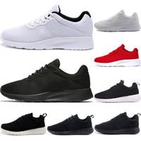 الرجال Tanjun تشغيل الاحذية النساء الثلاثي أسود أبيض أحمر منخفضة خفيفة تنفس لندن الأولمبية الرياضة أحذية رياضية الرجال المدربين حجم 36-45