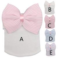 8 색 신생아 아기 모자 유아 아기 따뜻한 모자 줄무늬 모자 소프트 병원 여자 모자 신생아 보우 Beanies 0-3M 선물로 귀걸이를 보내십시오