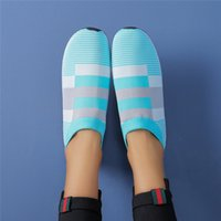 Women' s shoes are super light, absorbing, comfortable, ...