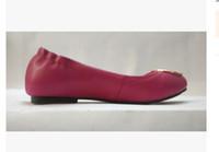 Mocassim Mocassim Loafers Famoso Sapatos de Vestido de Viagem Apartamentos de Baile de Fivela de Metal Ballet Flats Mulheres Pele De Carneiro Sapatos de Couro Genuíno com caixa