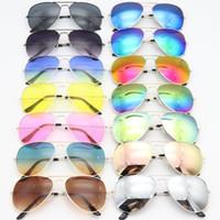 최신 도착 가장 저렴한 가격 UV400 UV 보호 색 선글라스 도매 파일럿 남성 여성용 색안경