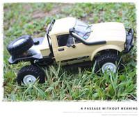 WPL 2.4G 4-Kanal RC SUV Auto-Modell-Spielzeug, 01.16 Monstertrucks, Geländewagen, mit einem Ersatzrad, LED-Leuchten, Weihnachtskind-Geburtstags-Geschenk 02.02