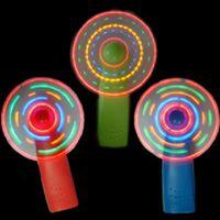 1ピース楽しい熱い販売プラスチックLEDカラーファンマトリックスポータブルミニエアークールファングリーンブルーライトアップ光学おもちゃギフト
