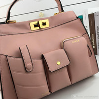 Fashion Handbag Designer Single Shoulder Bag Single Shoulder High-grade Leather Metallo di alta qualità Classic Luxurious Particularl 1910