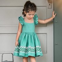 Ins vest di colore caldo Backless Fly Sleeve Plaid Halter vestiti di colore verde Summer Party Holiday Ruffles Sweet Girls Infant Dress