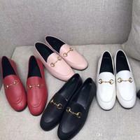 Klassische Frauen Flache Designer Kleid Schuhe 100% Authentische Rindsleder Metall Schnalle Dame Leder Brief Casual Shoe Mules Princetown Männer Trampel Faule Müßiggänger Große Größe 34 ----- 46