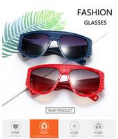 Günstige Designermode Sonnenbrillen Damen große Rahmen-Sonnenbrille männliche Schlange Muster dekorative Gläser freies Verschiffen