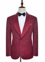 Echt Bild Beliebte Burgund Paisley Bräutigam Smoking Side Vent Schal Revers Männer Mantel Hosen Set Party Anzüge (Jacke + Pants + Bow Tie) W118