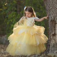 Abiti di sfera a file gialli per la principessa Flower Girl Dress con appliques di fiori fatti a mano perline Open Back Custom Made Pageant Gow