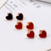 Venta caliente Classic Fashion Lady Brass Black Red Onyx Agate Love En forma de corazón Compromiso Wedding Stud Pendientes 2 Color