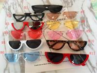 Прохладный Старинные Кошачий Глаз Солнцезащитные Очки Полуободок Мода Cateye Женщины Солнцезащитные Очки 12 Цветов Металлический Шарнир Дешевые Оптовые Очки