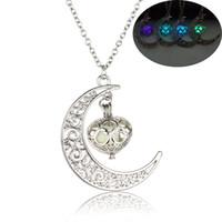 الوهج الجديد في الظلام قلب القمر القلائد للنساء الرجال الجوف شكل هلال حبات مضيئة سلاسل قلادة الأزياء والمجوهرات
