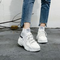 Zapatillas de deporte de tiburón Mujer Hombre Knit Upper Male Chunky Shoes High Top Running Hombre Mujer Sneakers Para M