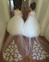 Vestidos De Primera comunion kepçe Kat Uzunluk Tankı Balo Tül Aplikler Çiçek Kız Elbise İçin Düğünler