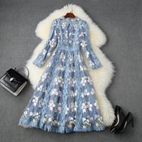 2020 여름 가을 긴 소매 라운드 넥 블루 꽃 무늬 레이스 자수 패널로 중간 송아지 드레스 우아한 캐주얼 드레스 LAG04T11127 인쇄하기