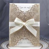 Invitación de boda del corte del láser del brillo de oro rosa con la tarjeta de invitación del recorte de la láser del envoltura brillo hueca