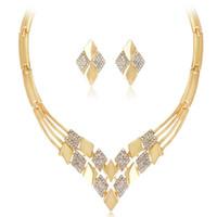 I monili piazza orecchini set di gioielli di cristallo color oro collane per le donne semplice modo caldo