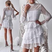 Женское нерегулярное плиссированное платье труба рукава кружева перспективы сексуальное торт платье половину длиной черный и белый S-XL