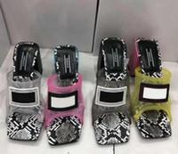 Diseño interior transparente Zapatos de Cristal Mujer deslizador de la venta caliente-PVC zapatillas de cristal sandalias de tacón Diapositivas de verano