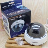 가짜 카메라 무선 홈 보안 시뮬레이션 비디오 감시 실내 실외 감시 더미 IR LED 가짜 돔 카메라 소매 상자 B7369