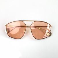 Mens 및 Womens를위한 새로운 호화스러운 디자이너 선글라스 0437 금속 구조 특별히 디자인 된 Authentic Glaases UV400 Sunshades Eyewear With Case